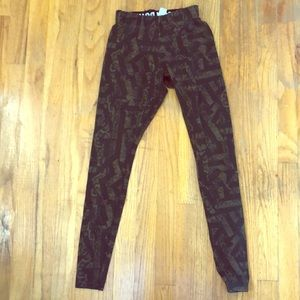 🎃 Nike Snakeskin Leggings